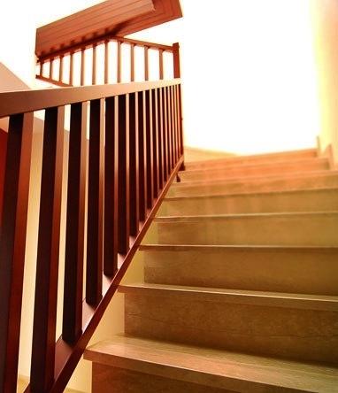 Esbais escaleras y barandillas de scar - Barandillas de madera para interior ...