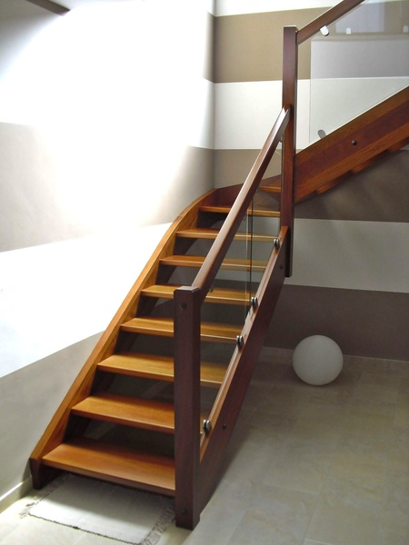 Esbais escaleras y barandillas de scar - Barandillas de cristal y madera ...